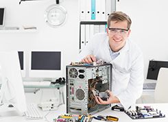 Számítógép-szerelő, -karbantartó